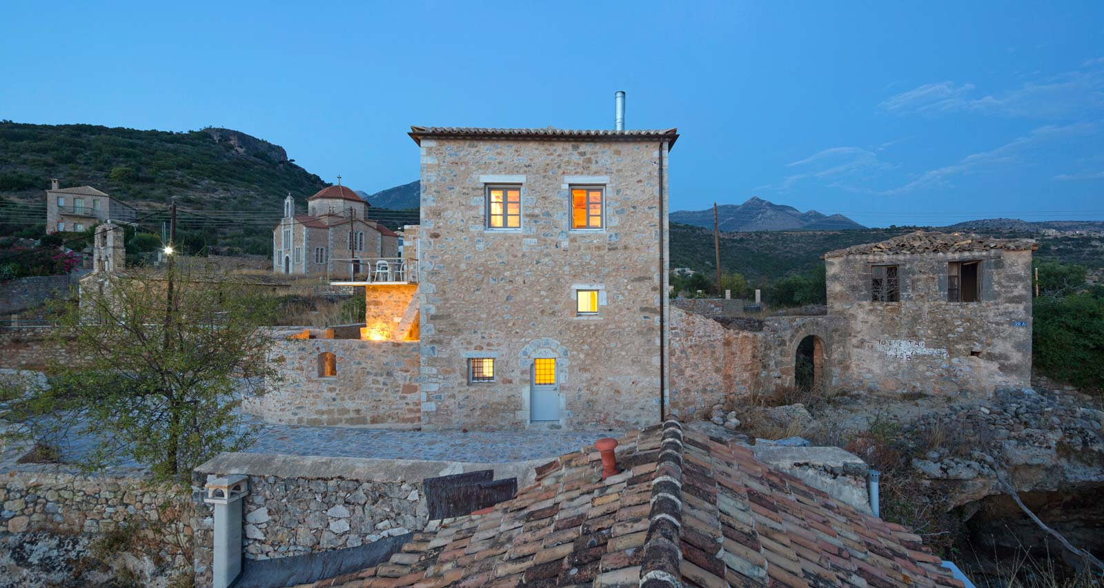 Stone House In Mani By Hhharchitects The Greek Foundation