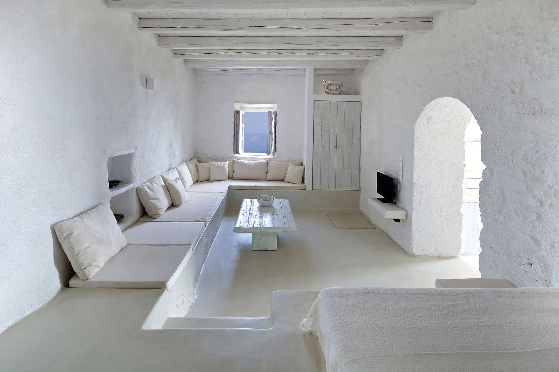 Restoration Of A Traditional Residence In Nisyros By