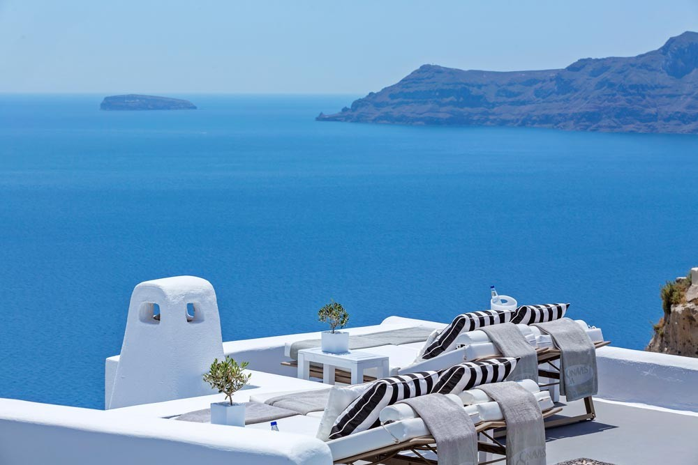 Canaves Oia Hotel Amp Suites Designer Chic Luxury Suites In