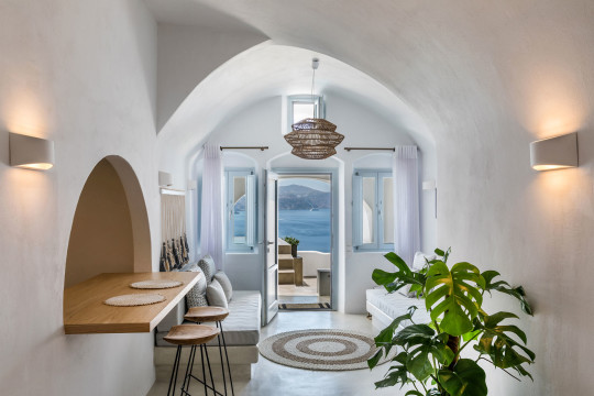 The «3 Caves Villa» in Oia designed by Lime Deco