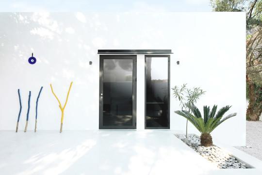 Monocabin-prefab-house
