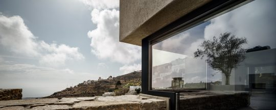 """""""A touch of new"""" holiday residence in Tinos by Aristides Dallas Architecture Studio"""