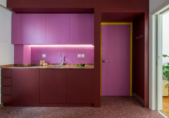"""Pretty in Pink"" apartment in central Athens by MoY studio"