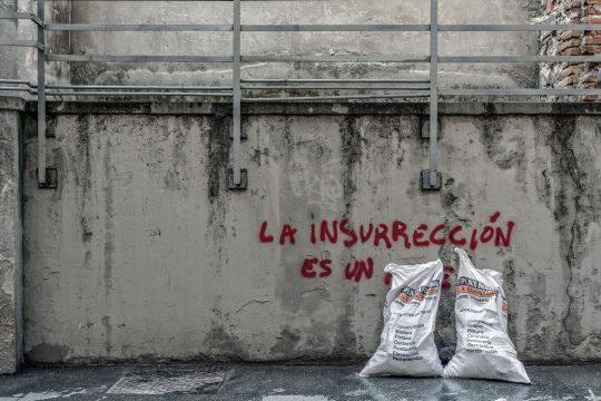 """""""La insurrección es un…"""" photography project by Dimitris Kechris"""