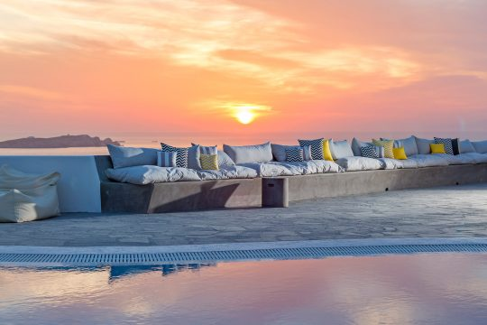 Bohème luxury suites hotel in the heart of Mykonos island