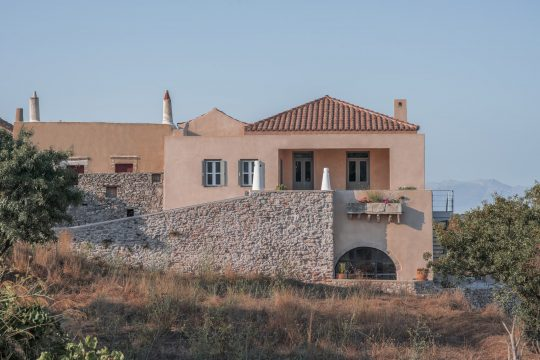 Farmhouse AR in Kythira island by RCTECH
