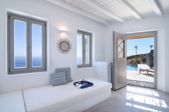 'White Spirit' in Cyclades by Sinas Architects