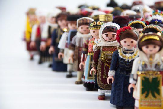 'PlaymoGreek' - Petros Kaminiotis presents Greek traditional costumes in a contemporary way