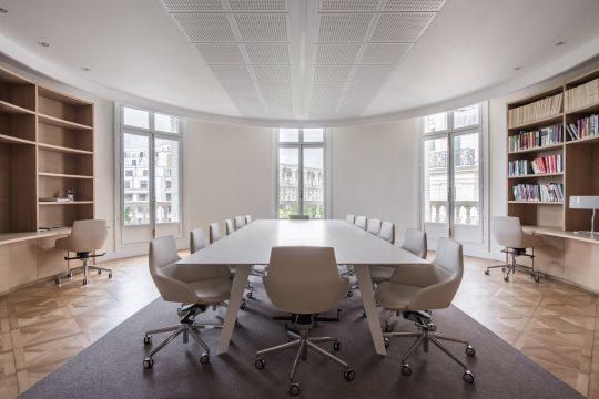 'Three Crowns' office space renovation in Champs-Élysées, Paris by R.C.TECH