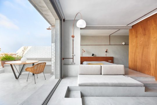 Marina Apartment in Barcelona, Spain by Cometa Architects