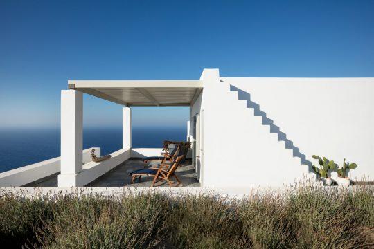 Casa Azul in Folegandros island by Ciarmoli Queda Studio