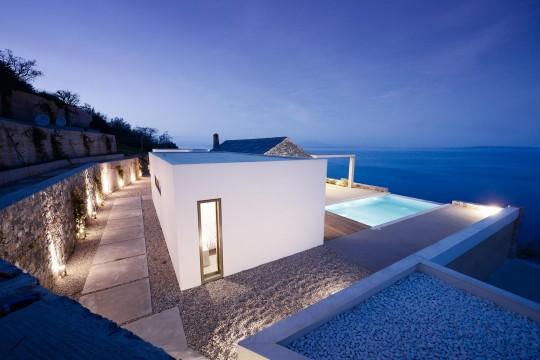 Villa Melana by Panos Papassotiriou & Valia Foufa