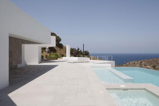Ktima House in Antiparos by Camilo Rebelo + Susana Martins